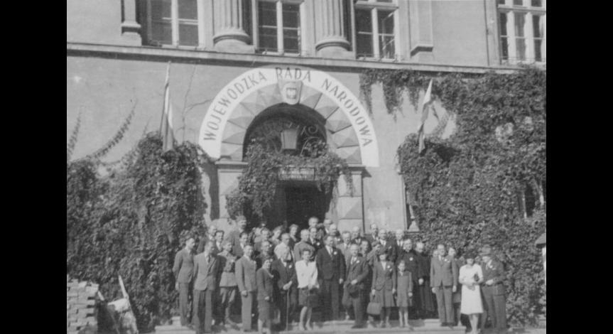 Zoom image: Inauguration of the first Week of Majdanek, 1945