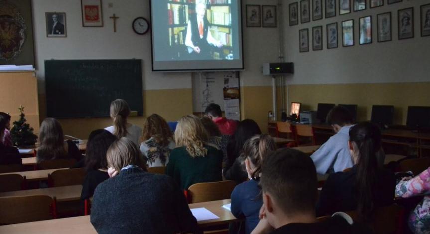 Powiększ obraz: Współpraca Państwowego Muzeum na Majdanku z I Liceum im. Stanisława Staszica w Lublinie