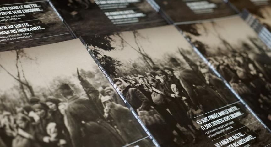 """Powiększ obraz: Niemiecko-francuski katalog do wystawy poświęconej """"Akcji Reinhardt"""""""
