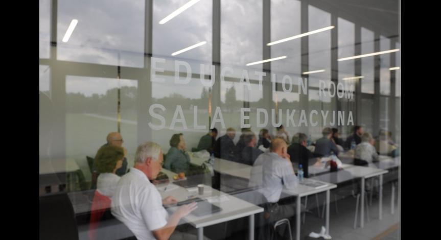 Powiększ obraz: O potencjale edukacyjnym muzeum i miejsca pamięci na Majdanku