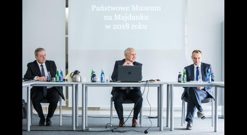 Zoom image: Session of the Museum Board of the State Museum at Majdanek