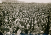 Show larger image above: Holy Mass at Majdanek, 1946