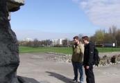 Pokaż powiększenie powyżej: Praktykanci z Daimler AG w Muzeum na Majdanku