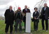 Pokaż powiększenie powyżej: Japanese delegation at Majdanek