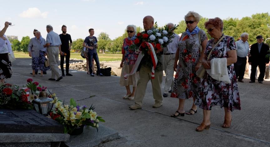 Powiększ obraz: 71. rocznica likwidacji obozu na Majdanku