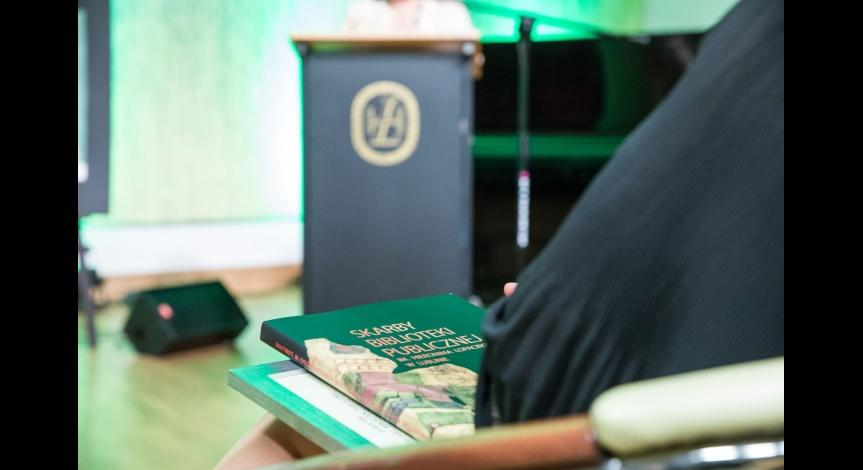 Powiększ obraz: Państwowe Muzeum na Majdanku laureatem konkursu Książka Roku 2018