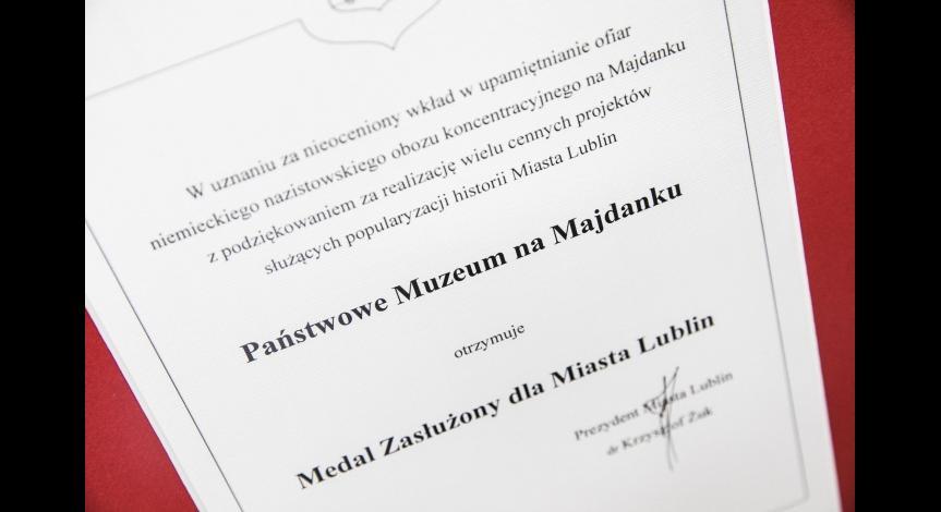 Powiększ obraz: Muzeum docenione