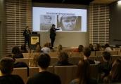 Pokaż powiększenie powyżej: Zajęcia dla młodzieży z Bielefeld w Muzeum na Majdanku