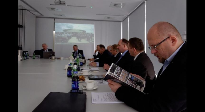 Powiększ obraz: Obrady Rady Muzeum przy Państwowym Muzeum na Majdanku