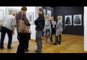 Pokaż powiększenie powyżej: Wystawa Przeciw wojnie - Międzynarodowe Triennale Sztuki na Majdanku