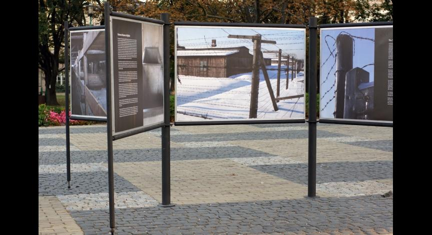 "Zoom image: Vernissage of the exhibition ""Majdanek in Leszek Mądzik's photography"""