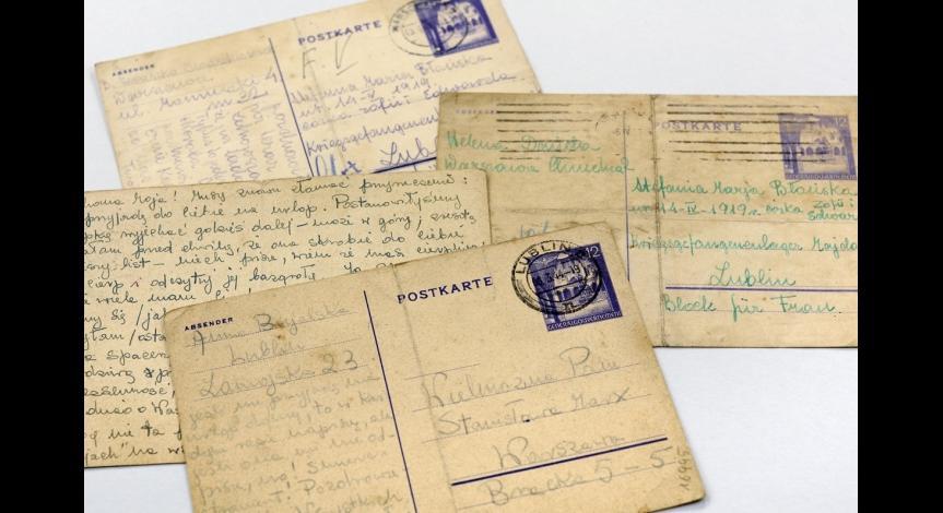 Kartki pocztowe wysyłane do więźniów obozu