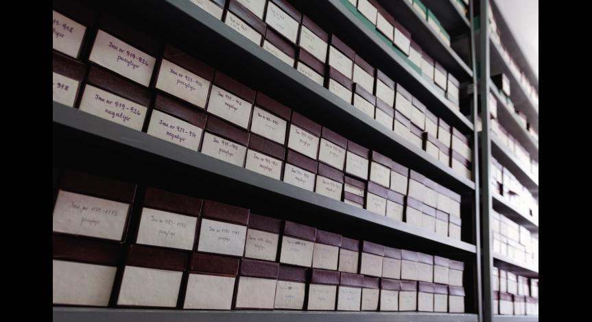 Powiększ obraz: Magazyn mikrofilmów