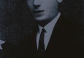 Show larger image above: Lejba (Leon) Felhendler before 1939 / YV