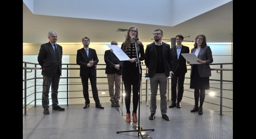 Powiększ obraz: Nagroda dla serwisu Muzeum na Majdanku