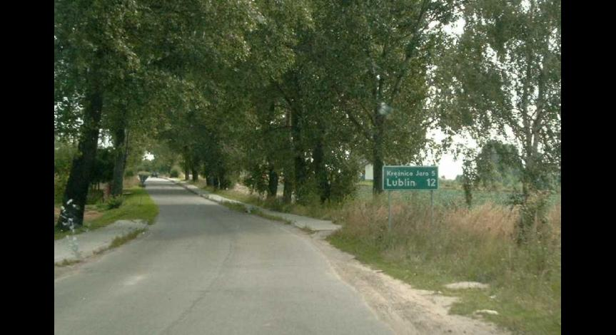 Drogowskaz na trasie Lublin - Krężnica Jara