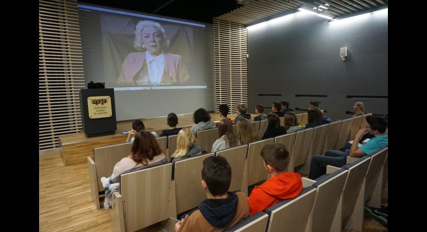 """Powiększ obraz: Program """"Kultura dostępna"""" w Państwowym Muzeum na Majdanku"""