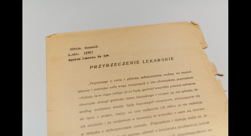 Powiększ obraz: Pamiątki przekazane Muzeum przez Ewę Sztabę-Chmielarz
