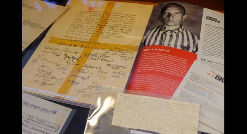 """Powiększ obraz: Opowieść o Romualdzie Sztabie. Spotkanie z cyklu """"Majdanek w pamięci rodzinnej"""""""