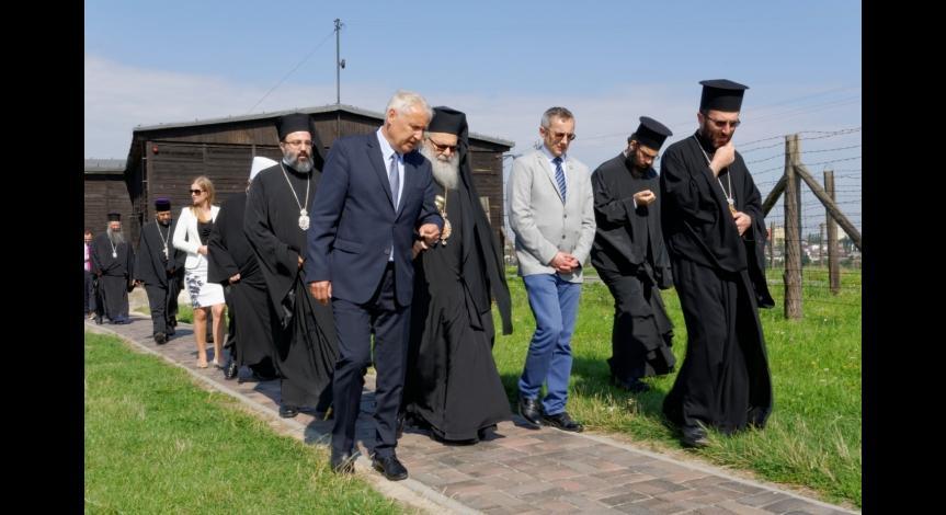 Powiększ obraz: Patriarcha Antiochii z wizytą na Majdanku