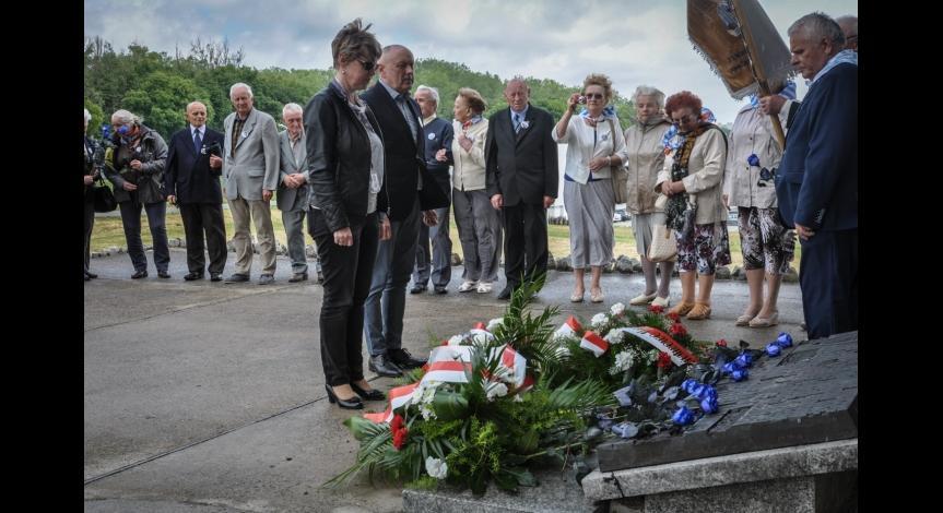 Powiększ obraz: Narodowy Dzień Pamięci Ofiar Niemieckich Nazistowskich Obozów Koncentracyjnych i Obozów Zagłady