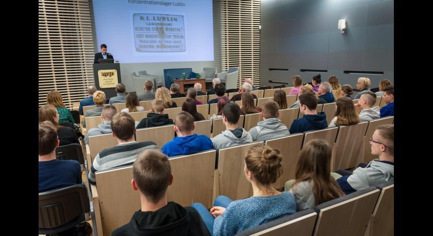 """Powiększ obraz: """"Zacheusz"""" – projekcja filmu o polskim więźniu politycznym Majdanka"""