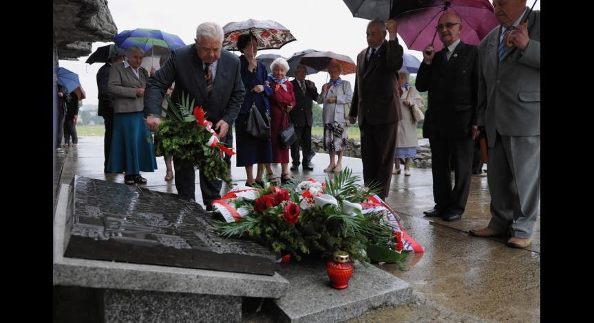 Powiększ obraz: 70-lecie Polskiego Związku Byłych Więźniów Politycznych Hitlerowskich Więzień i Obozów Koncentracyjnych