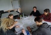 Pokaż powiększenie powyżej: Wolontariusze ze Stowarzyszenia Akcja Znak Pokuty/Służba dla Pokoju w Muzeum na Majdanku