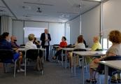 Pokaż powiększenie powyżej: Uczestnicy seminarium poznają koncepcję edukacyjną PMM