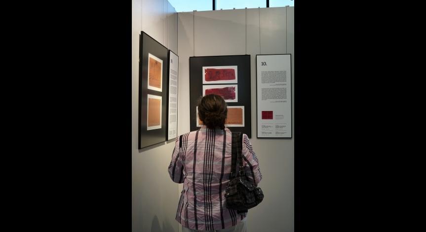 """Powiększ obraz: Finisaż wystawy """"Rysunki na strzępach życia"""""""