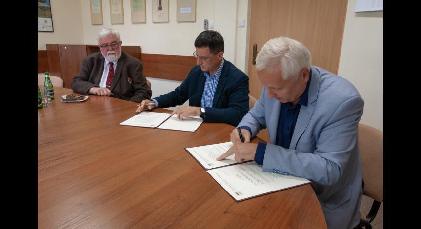 Powiększ obraz: Podpisanie listu intencyjnego między Instytutem Hoovera a PMM