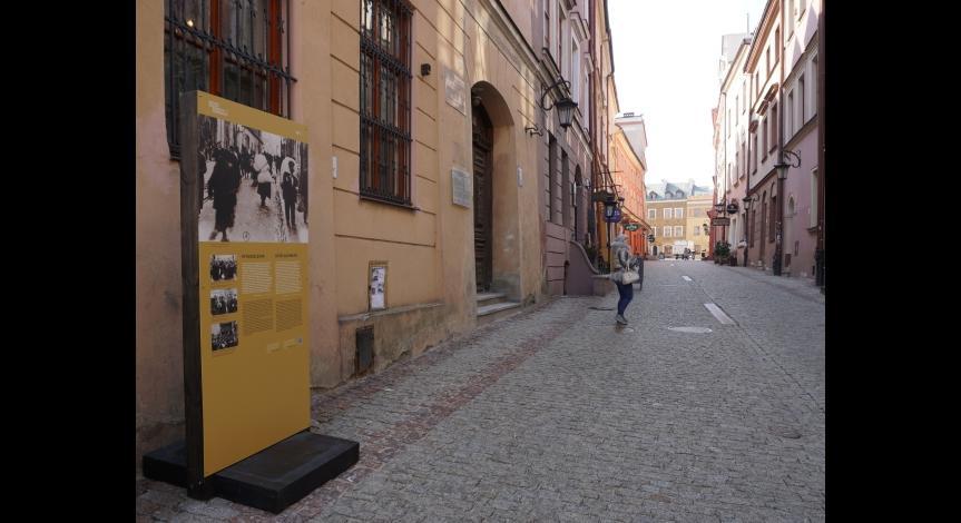 Powiększ obraz: Jedna z plansz na ulicy Grodzkiej