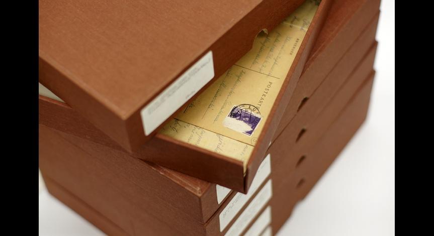 Powiększ obraz: Archiwalia zabezpieczone w specjalnych opakowaniach