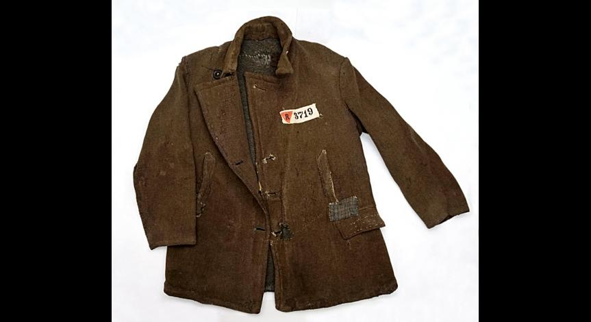Powiększ obraz: Zakonserwowane tekstylia z obozu na Majdanku