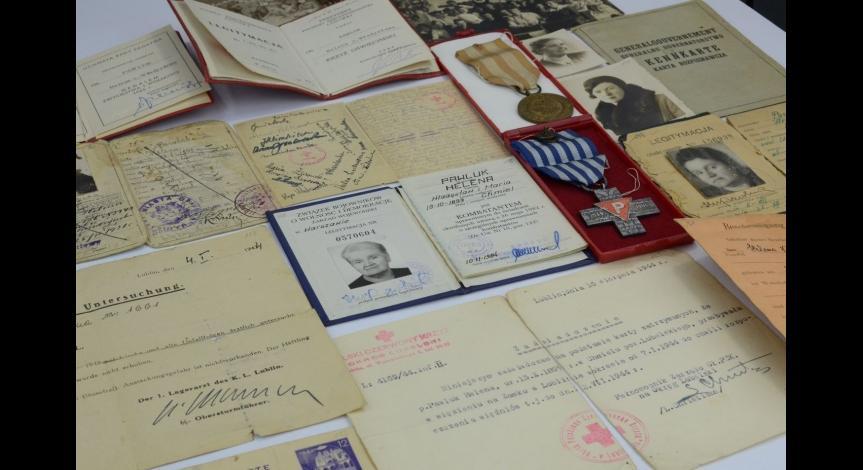 Powiększ obraz: Dokumenty należące do Heleny Pawluk
