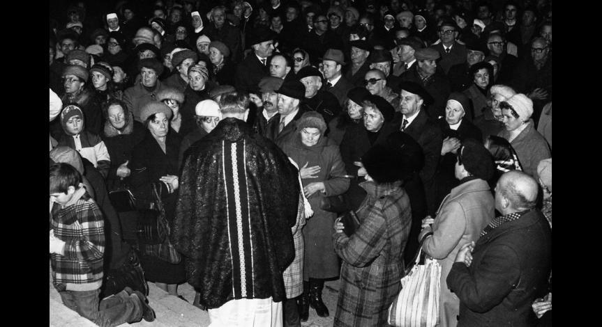 Zoom image: Msza św. na Majdanku, 2 listopada 1983