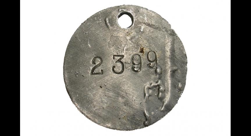 Zoom image: Prisoner identification mark with the prisoner number of Emilian Kowcz