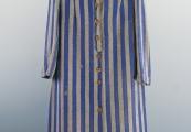 Pokaż powiększenie powyżej: Strój więzienny Heleny Kurcyuszowej – sukienka i chustka