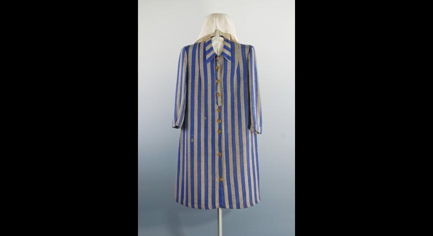 Powiększ obraz: Strój więzienny Heleny Kurcyuszowej – sukienka i chustka