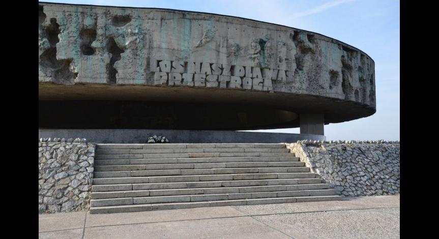 Powiększ obraz: Bariery architektoniczne