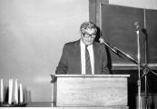 Show larger image above: Sesja poświęcona eksterminacji Żydów, 3 listopada 1983