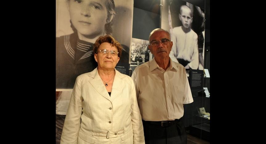 Zoom image: Janina and Władysław Obirek, former prisoners from the Zamość Region, next to their biographical sketches presented at the exhibition