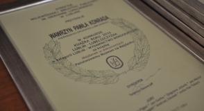 """Monografia """"Majdanek w…"""
